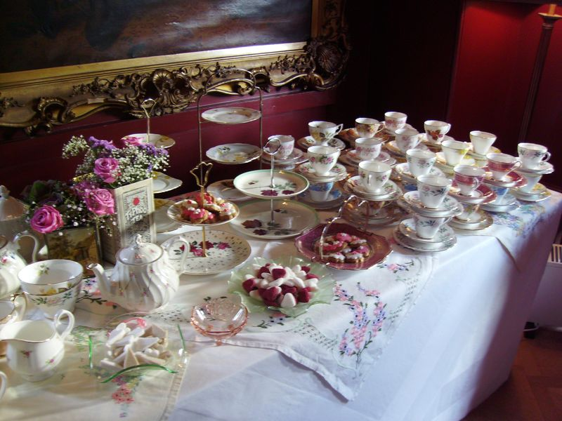 vintage china hire aberdeen, vintage wedding pittodrie house,